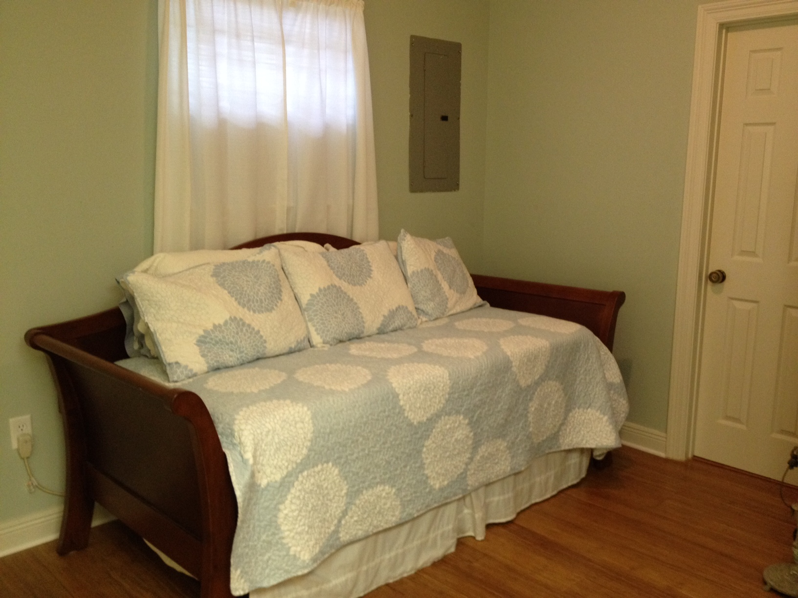 Furnished Efficiency Apartment Near Lsu Perfect For Grad Or Vet Student